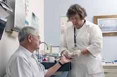 Donna_Brown_LPN_prepares_blood_sugar_testing